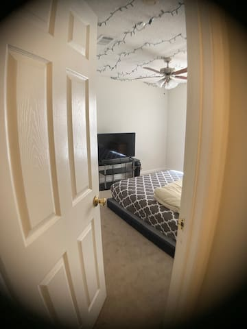 LUXURY* Duluth PRIVATE room Right of I-85 exit 103