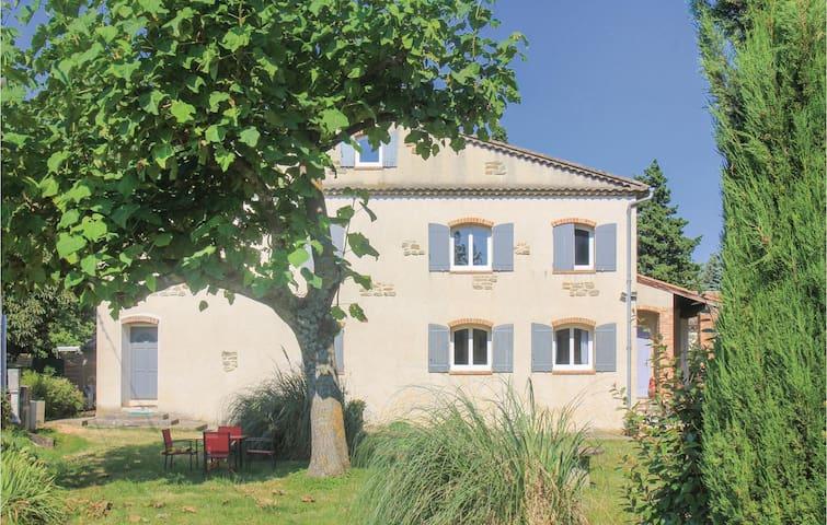 Holiday apartment with 1 bedroom on 50m² in La Bégude de Mazenc