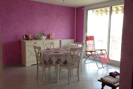 Appartement chaleureux, pratique, sans contrainte - Bourg-en-Bresse