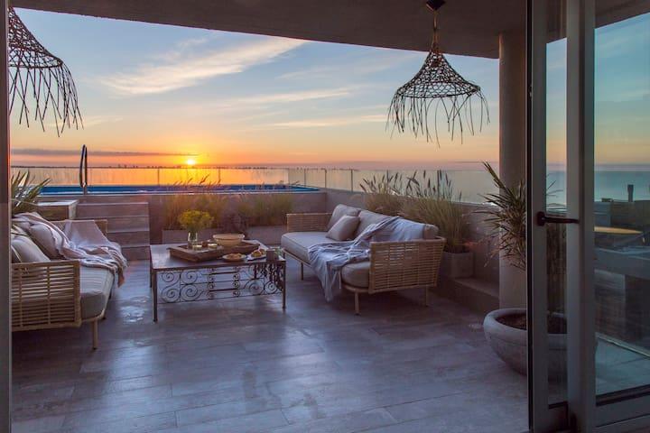 Espectacular Loft-vista al mar,piscina climatizada