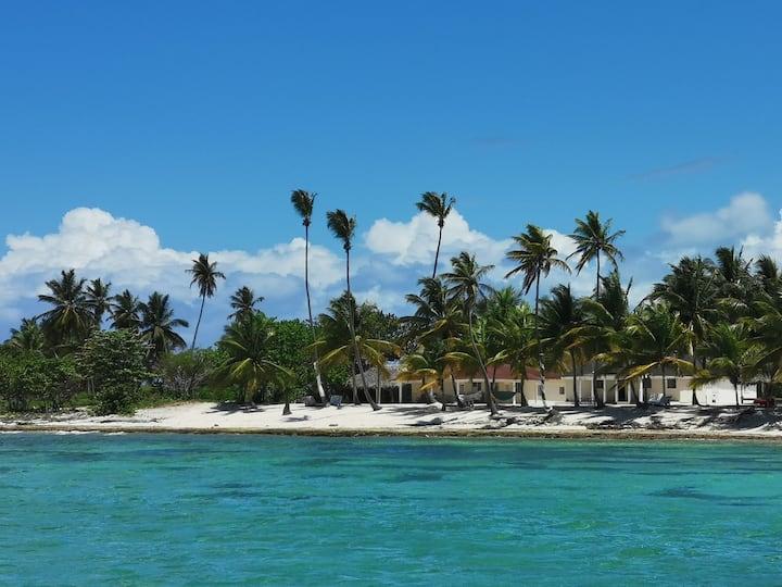 Habitación frente al Mar Caribe en Isla Saona