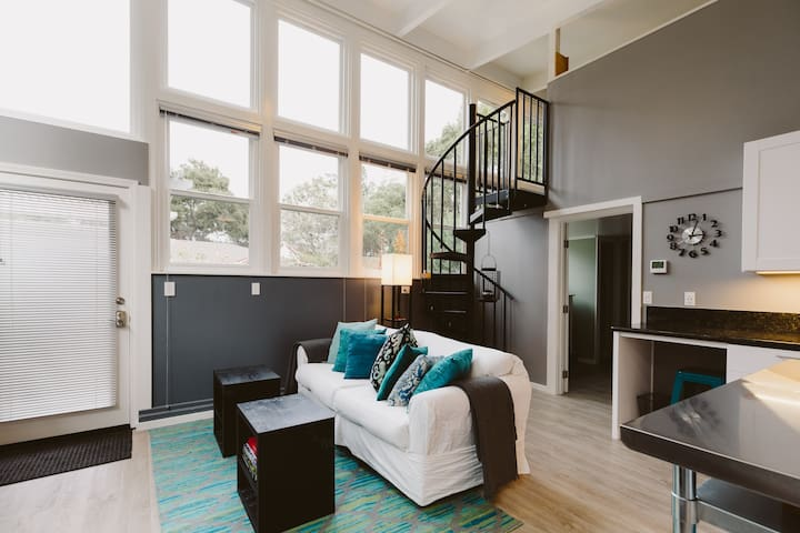 Large Studio in mid-Carmel Valley - Carmel - House