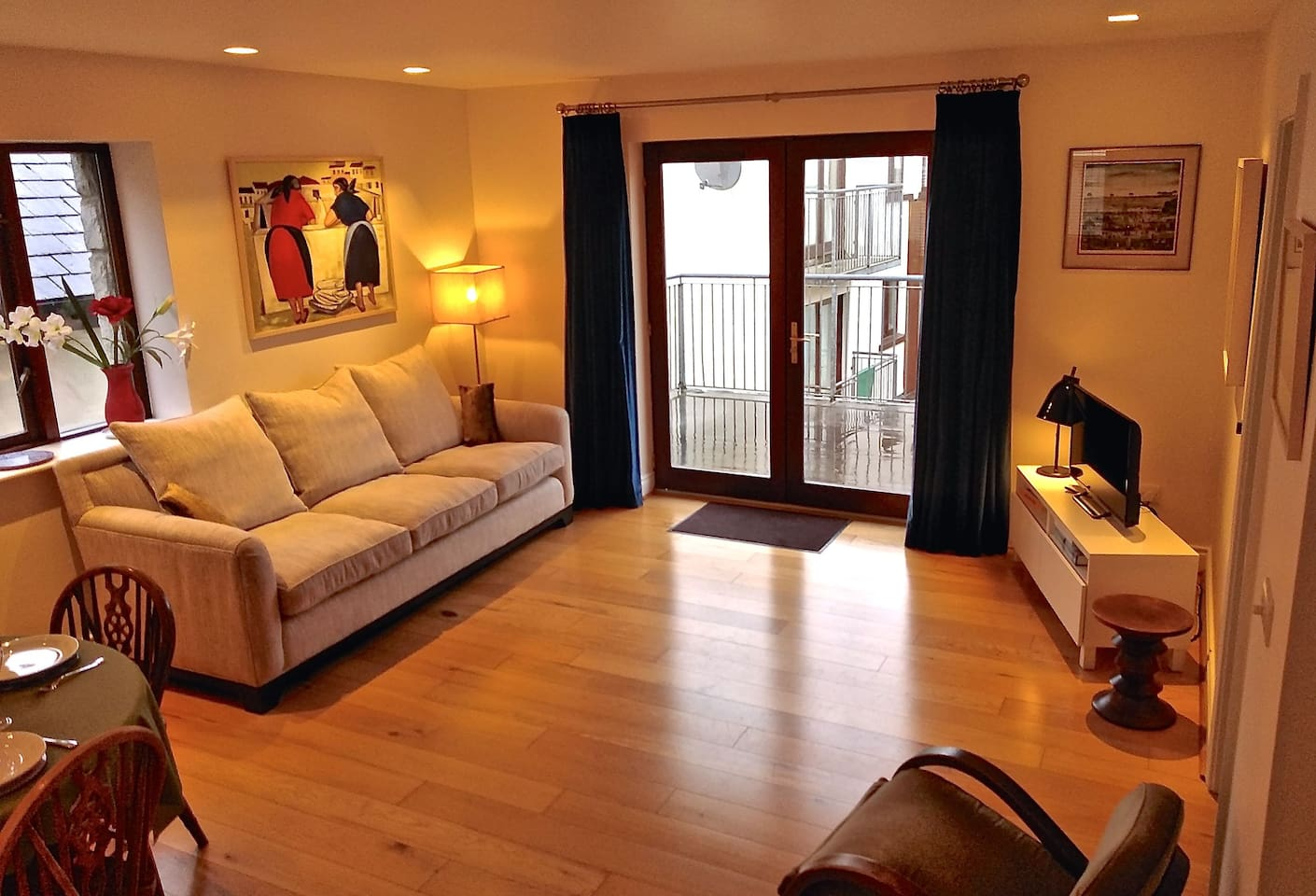 Large Living Space, Patio Doors open to Roof Terrace