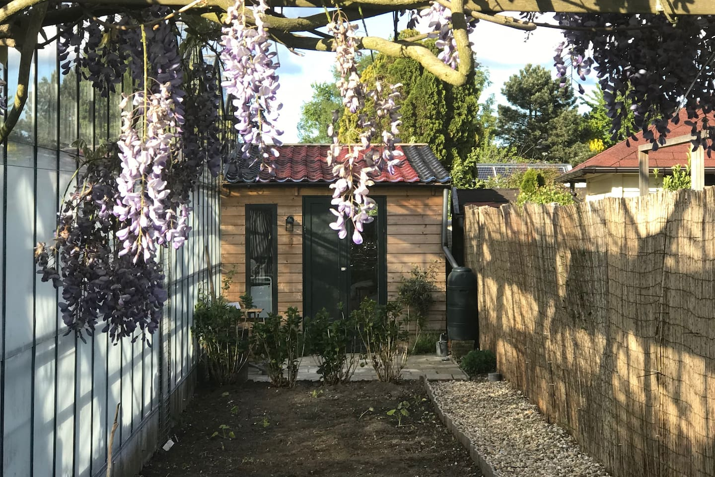 Cozy tiny house close to Schiphol Ams Airport