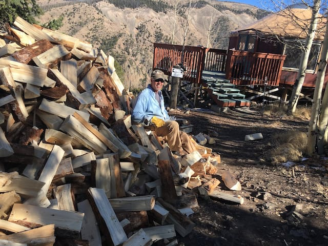 October 2019 Wall of Firewood, we are ready for the 2020 winter!