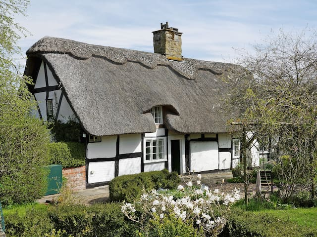Yeomans Cottage (W43523)