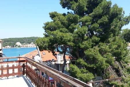 Clean rooms in stone old town Tisno - Bed & Breakfast