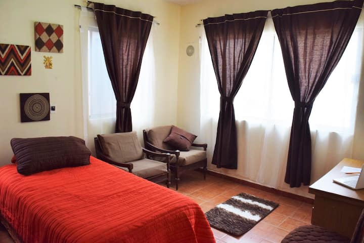 Casa compartida en Colonia Loma Larga