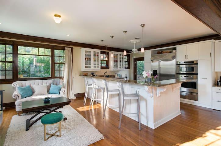 Linden Hills Large Master Suite