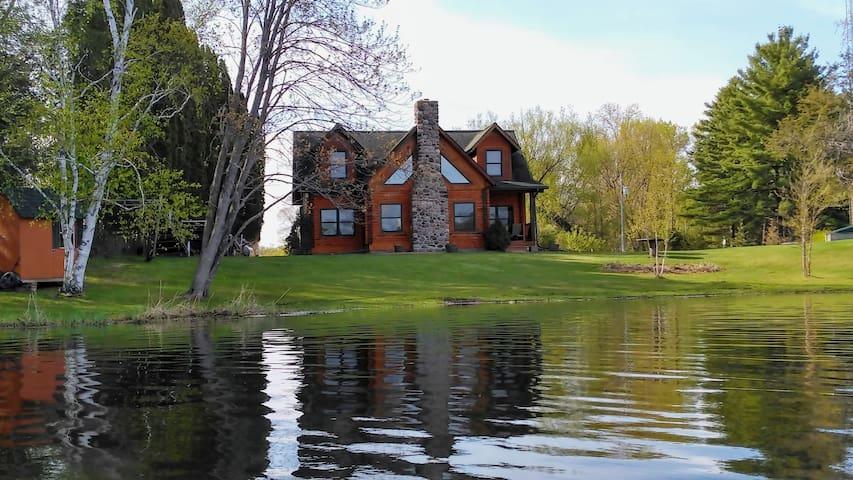 Little Resort on Big Lake