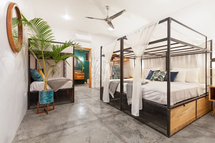 The SPACE - Boutique hostel - Private Room + AC/HW