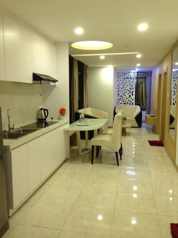Huyen's Apartment Sea View