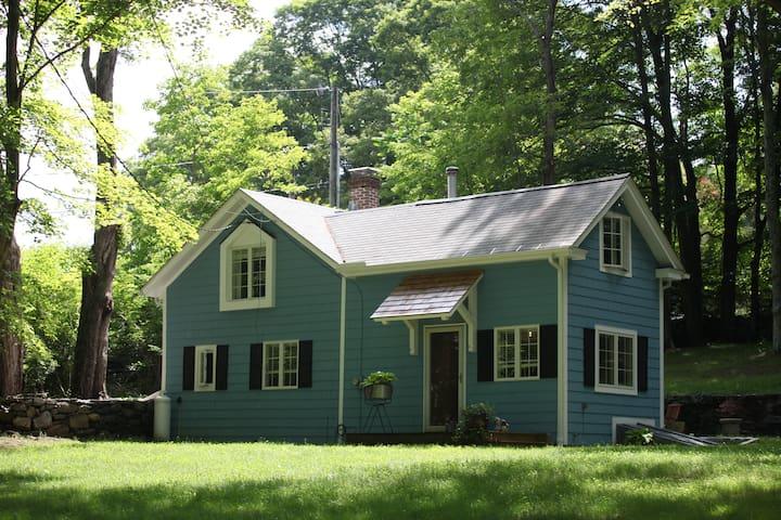 The Tiny Tiffany Farmhouse