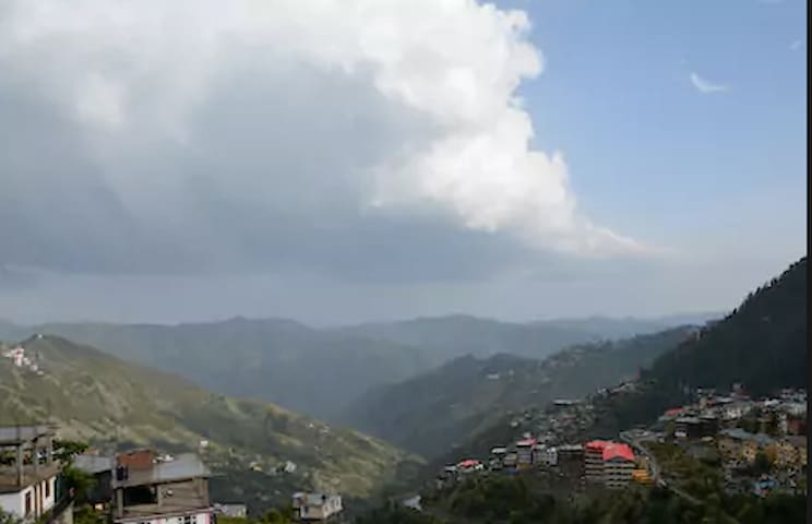 Hill View Room at Bhattakuffer - Shimla - House