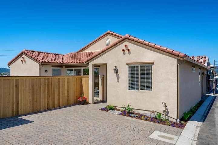1 year new house, 3 beds, 3 baths