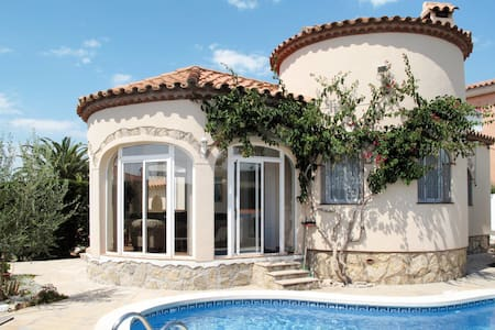 Detached house in Miami Playa for 5 persons