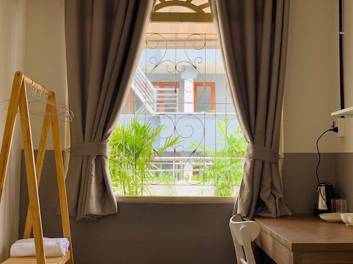 Quiet, HCMC central,  joys & restaurants, terrace