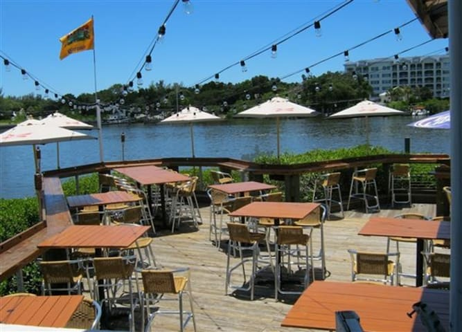 The Boat Yard - sunset drinks, a trolley ride away