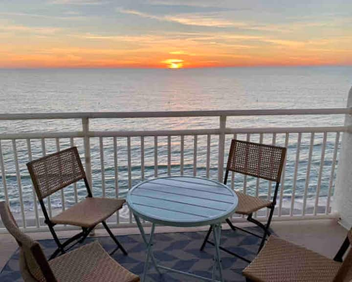 Newly Remodeled Beachfront 3/2 in Sunset Beach