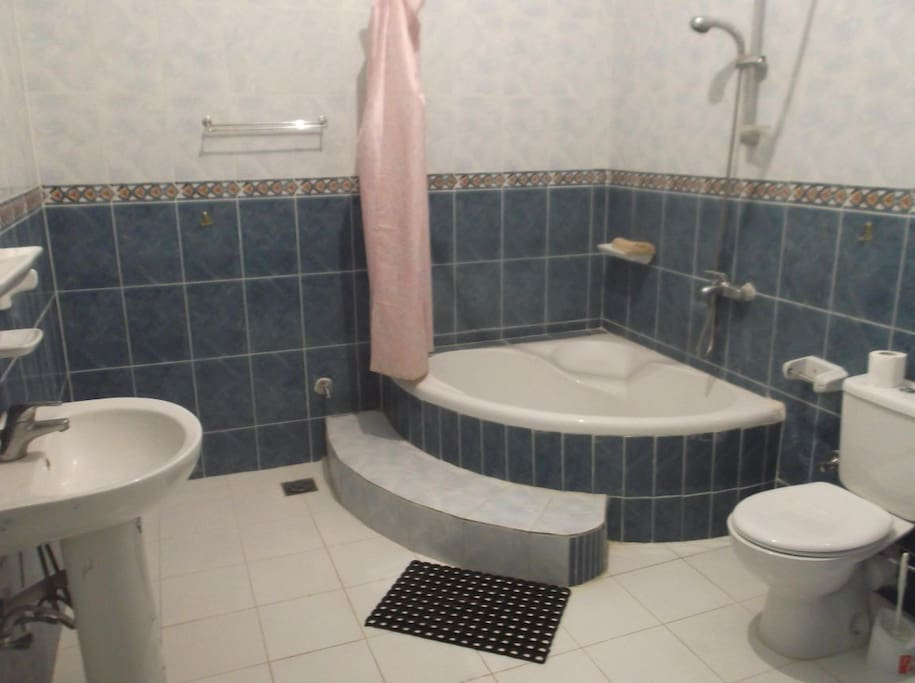 the bath room have hot water & tub .