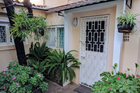 Fully Furnished Private Guest Cottage To Let - Maputo