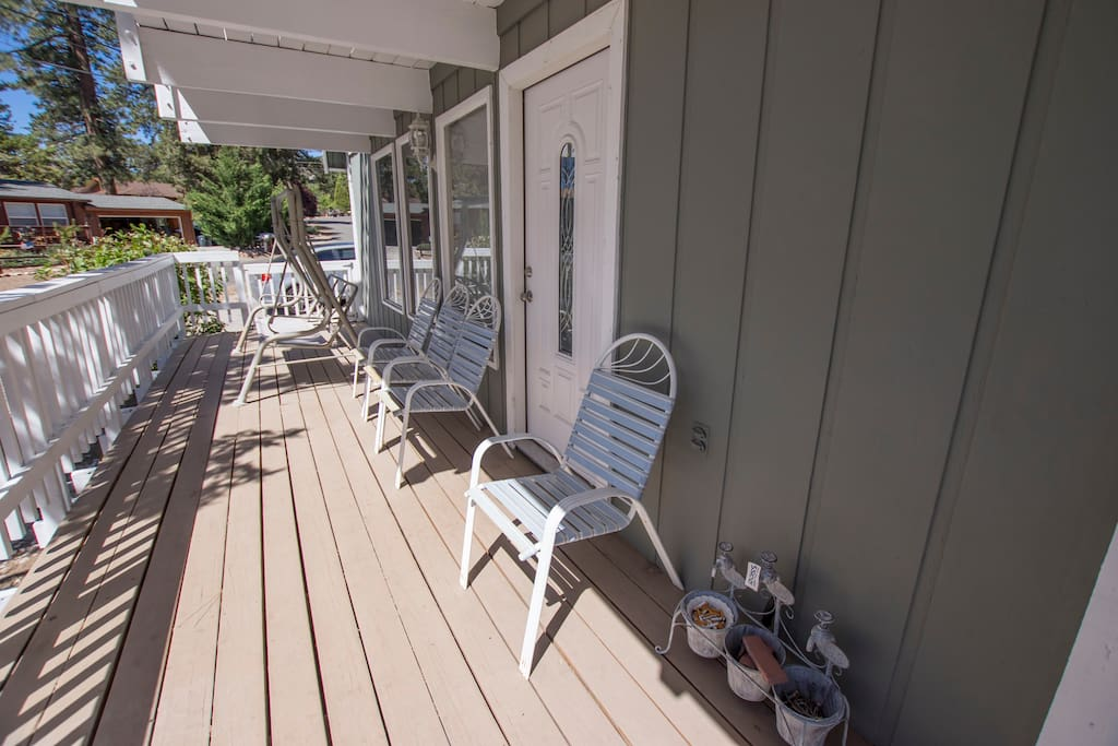Lower deck with views of the slopes