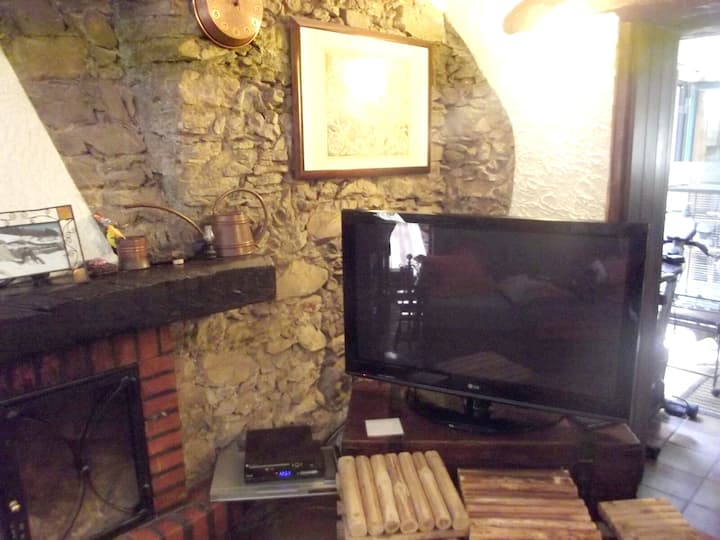 Casa con 2 stanze a Castelmola, con splendida vista mare, terrazza attrezzata e WiFi - 5 km dalla spiaggia