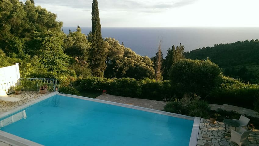 Beautiful villa with fab sea views - Pelekas - House