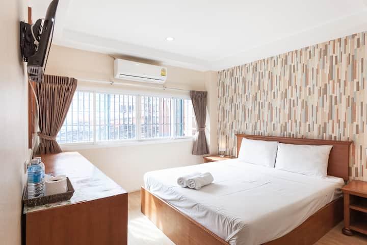 Sleep at Phuket (Standard room with Air-cond1)