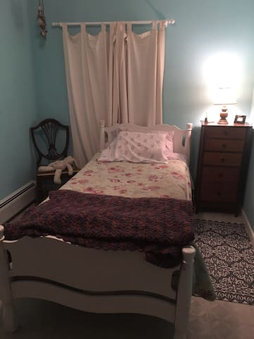 Room for rent in home - Montgomery - House