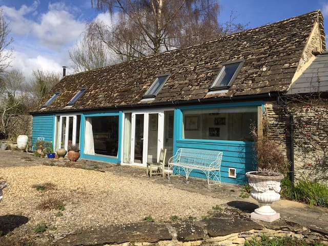 Newly refurbished barn, Eastcourt Malmesbury - Eastcourt