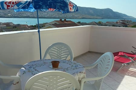 Gemütliches Loft mit Terrasse und Meerblick - Pag, Zadarska županija, HR