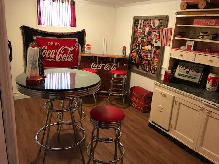 Coca-Cola Home~ King size bed!