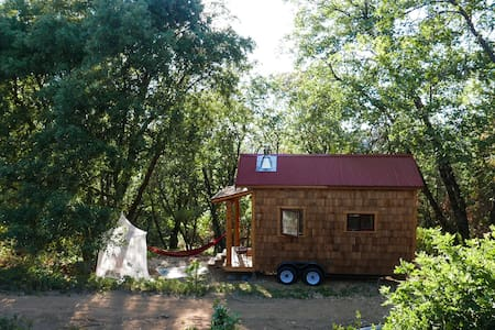 Secluded Custom Tiny Home in Enchanted Forest - Nevada City - Guesthouse