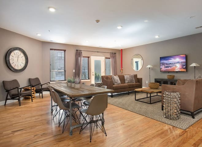 Modern Duplex, Minutes from NYC - Jersey City - Appartement