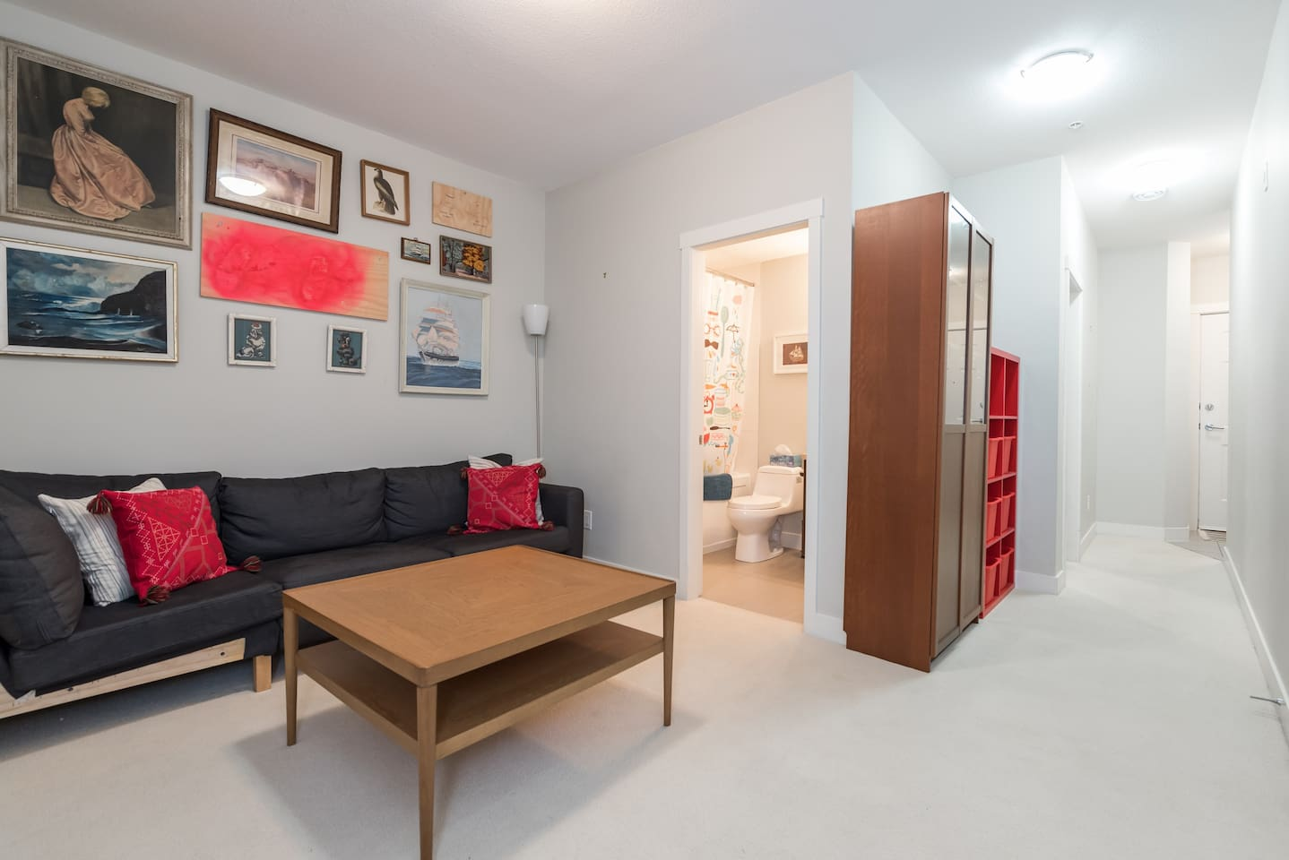 Living area with extra mattress upon request