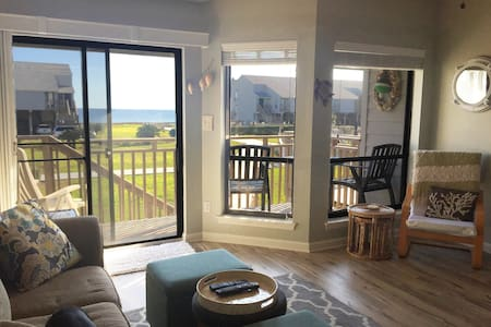 Beach townhouse with ocean view! - St. George Island - 公寓
