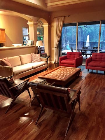 Luxury 4-bed,Golf and private pool - Tampa - Huis
