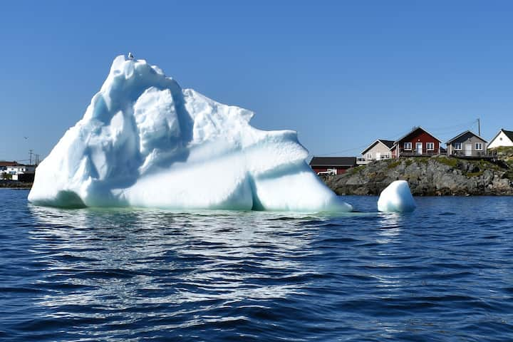 An Atlantic Ocean Retreat - Waterside Cottage #1