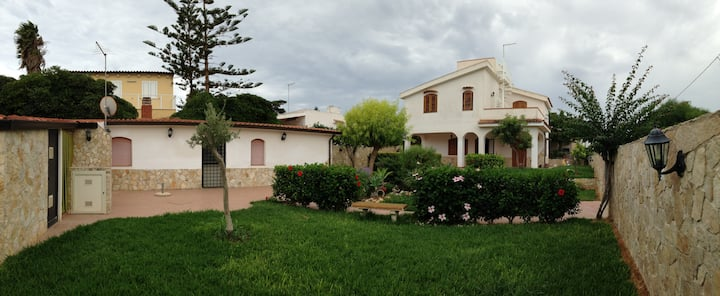 Chalet at 100 m. from the sea, Marzamemi, Spinazza