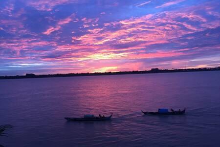 Beautiful Design and Modern Villa On The Mekong - พนมเปญ - วิลล่า