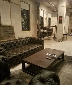 Downtown Classic LOFT with Penthouse Views - Dallas