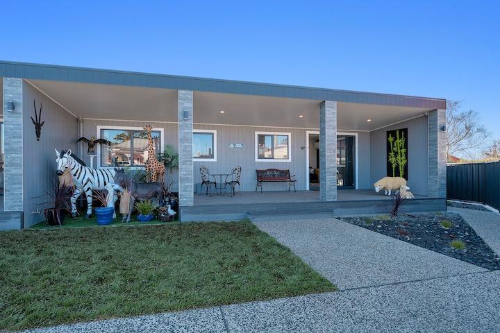 Villa Giraffe- Wynyard / Burnie - Zoo Villas