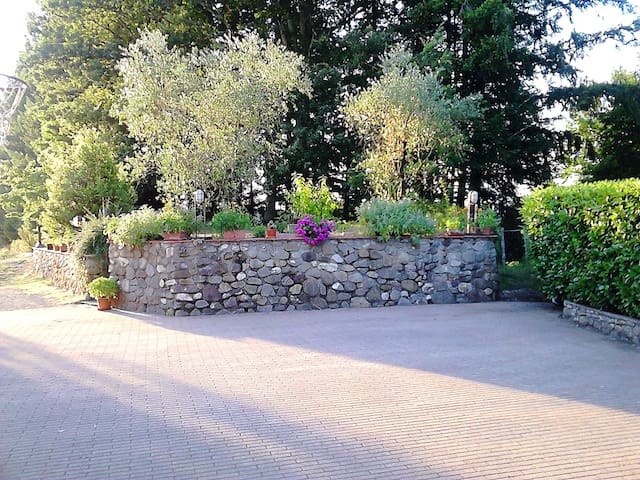 Piccolo agriturismo con meleto in Lunigiana - San Terenzo Monti - Appartement