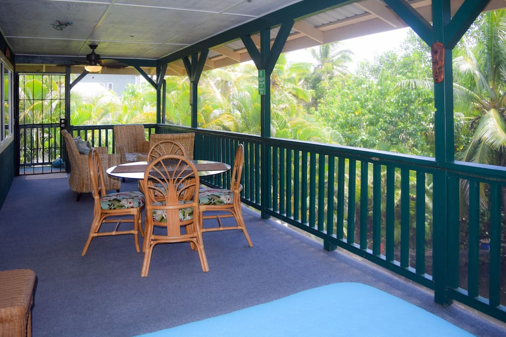 The elevated home catches the breeze wonderfully, especially out on the fully screened lanai