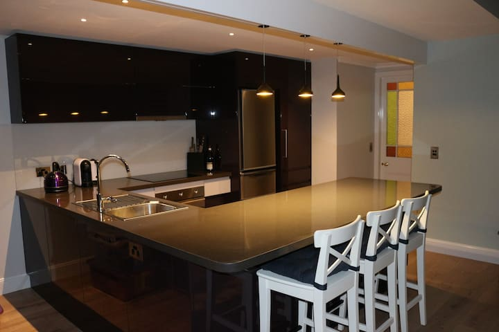 Ocean View Angourie. Stylish beach side apartment.