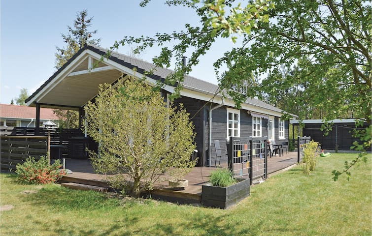 Holiday cottage with 3 bedrooms on 82 m² in Fårvang