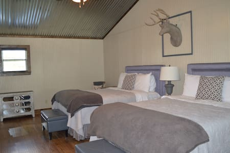 Shades of Grey@Vineyard Trail Cottages - Kulübe