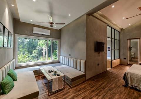 The jungle suite at Pandav Retreat