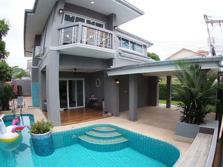 Cozy Cottage Aqua